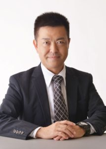 代表取締役社長秋本 薫